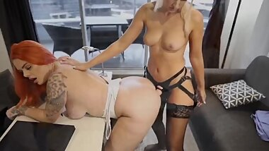 Employee fucks boss for the job Lesbian Strap on